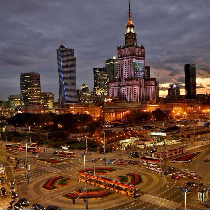 palace-of-culture-and-science-in-warsaw-e1518287416267.jpg