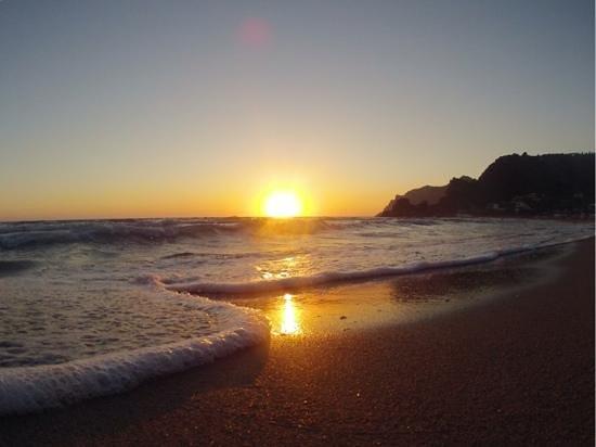 pelekas tramonto