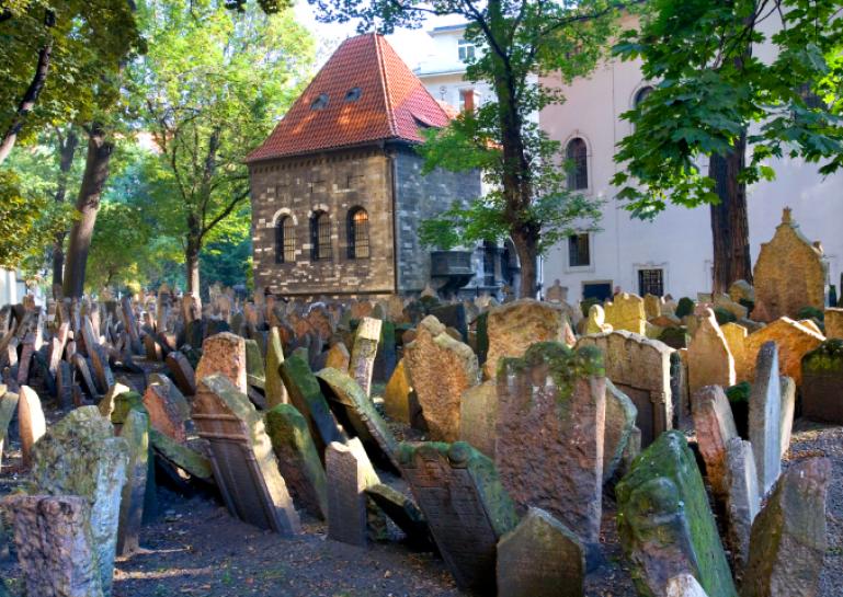 cimiteropraga1
